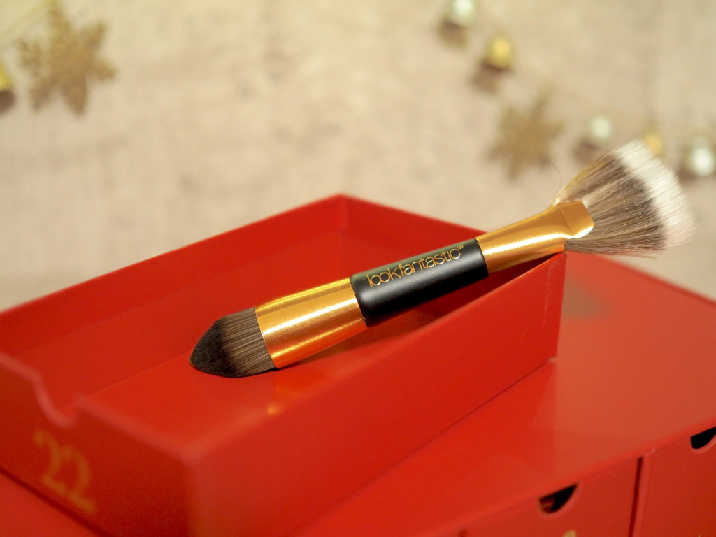 Lookfantastic Fan and Highlighter Brush